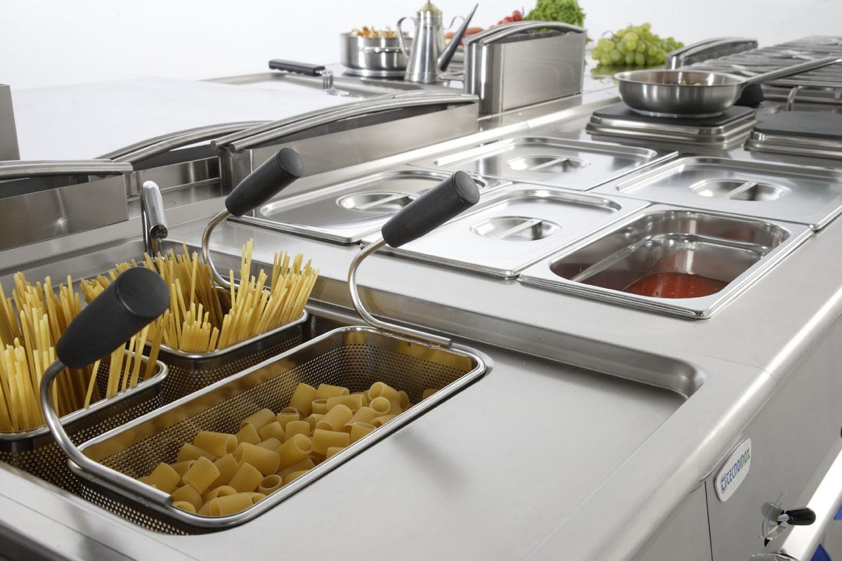 Vendita Attrezzature Da Cucina Professionali Usate.Ciaramella Arredamenti Per Ristorazione A Livorno